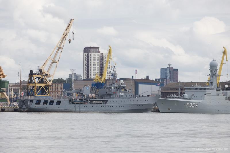 Marineschiff im Hafen von Klaipeda