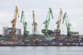 Kräne im Hafen von Klaipeda