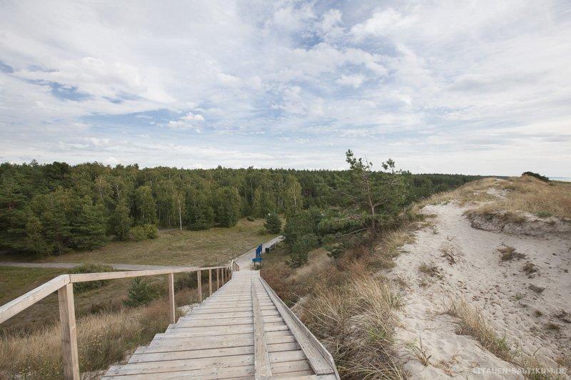 Kurische Nehrung: Strandtreppe über die Dünen